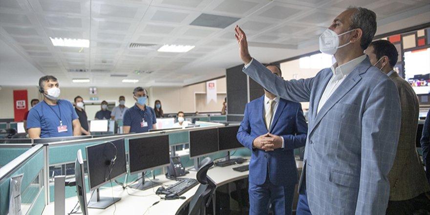 Adalet Bakanı Gül, infaz koruma memurlarıyla bayramlaştı