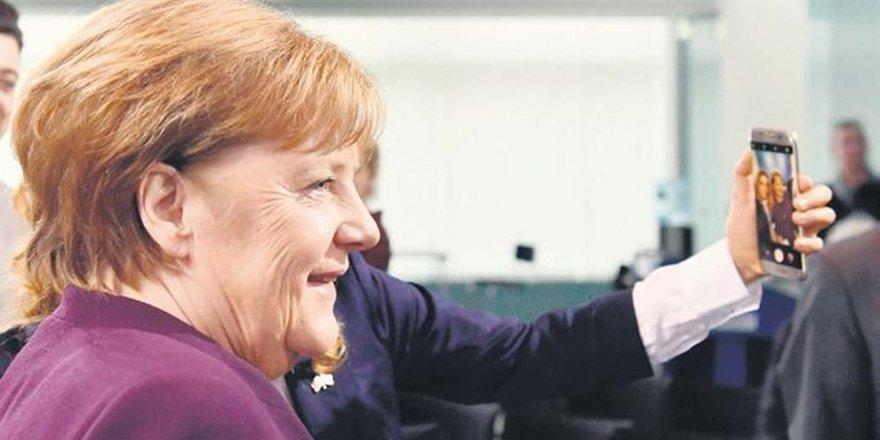 Sosyal medyadan Merkel'e hakaret eden kişiye 8 ay hapis