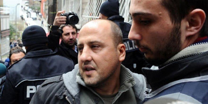 Devlete 'katil' diyen ve 'yıkılmasını' isteyen Ahmet Şık hakkında iki ayrı soruşturma başlatıldı