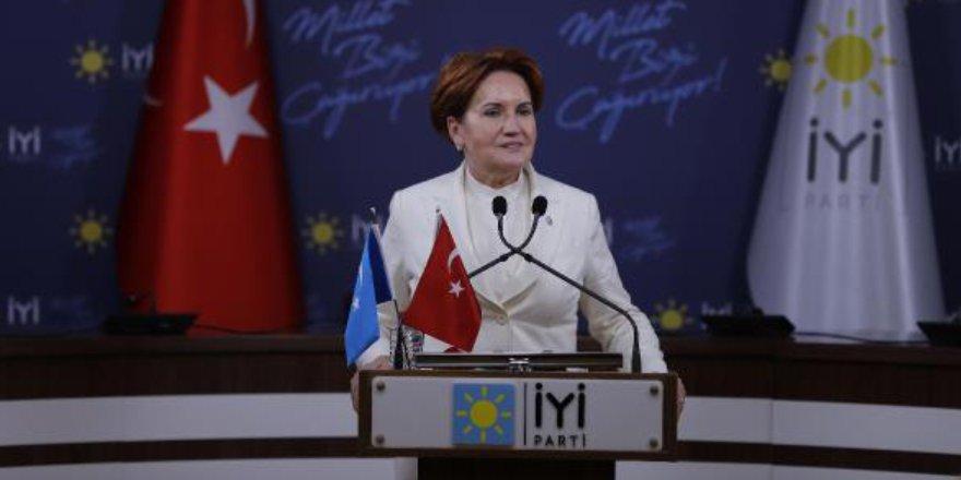 İYİ Parti Genel Başkanı Akşener, Hayalimdeki Doğu Türkistan Resim Yarışması Ödül Töreni'ne katıldı