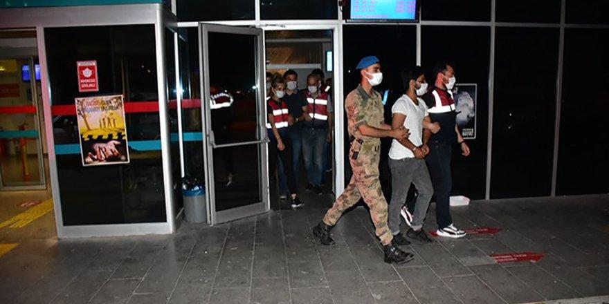 İzmir merkezli FETÖ'nün TSK yapılanmasına yönelik operasyonda gözaltı sayısı 137'ye yükseldi