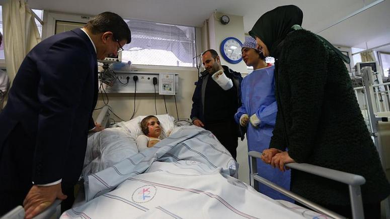 Davutoğlu çifti Diyarbakırlı Said'i annesiyle buluşturdu