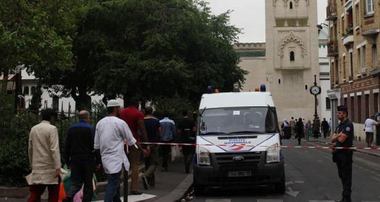 Korsika'da Müslümanlara ait iş yerlerine saldırı