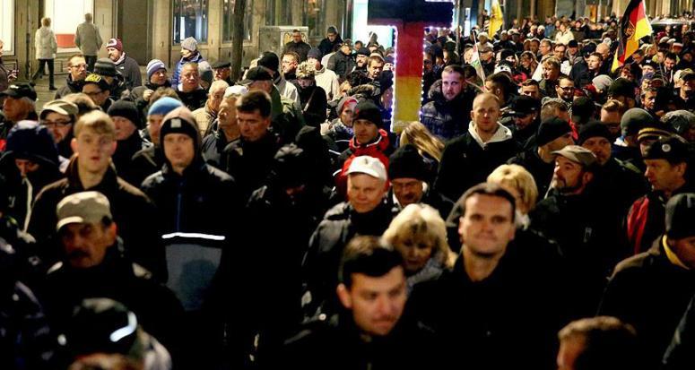 İslam düşmanı PEGIDA hareketi Avrupa yürüyüşüne hazırlanıyor