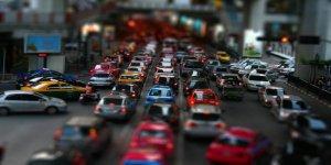 Yaklaşık 16.5 milyon taşıt sahibinin beklediği trafik sigortasında 'teklifli indirim' dönemi başladı.