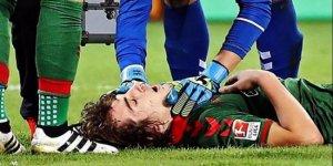 Milli futbolcu maçta beyin sarsıntısı geçirdi!