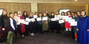 Pursaklar'da 18 kadın hızlı yazma sertifikası aldı