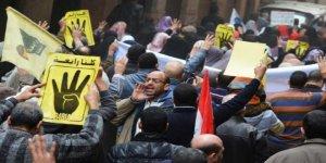 Mısır'da darbe karşıtı öğrencilere hapis cezası