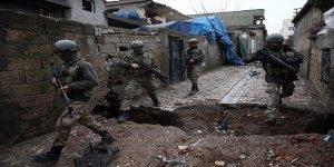Sur'da sıkışan PKK'lıar teslim olmaya başladı!