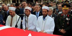 Cenaze namazını şehidin imam olan babası kıldırdı