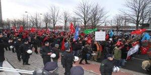 Almanya'da 'Teröre Karşı Birlik' yürüyüşü!