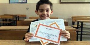 Süper zeka çocuk 8 yaşında ilkokulu bitirdi