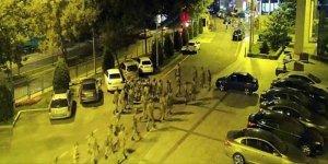 AK Parti'yi basan askerlerden 10'u serbest bırakıldı