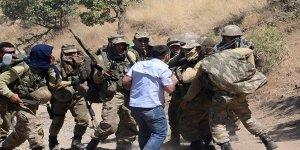 Sur'da köşeye sıkışan teröristler böyle teslim oldu! 'izle'