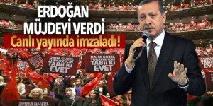 Cumhurbaşkanı Erdoğan canlı yayında kararnameyi imzaladı!