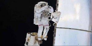 Kadın astronottan uzayda 59 saatlik yürüyüş
