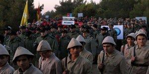 10 bin Türk, dedelerinin izinde yürüdü