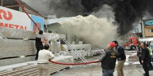 Isparta'da korkutan fabrika yangını!
