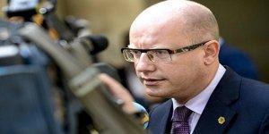 Başbakan'ın istifası kabul edildi! O ülke şokta