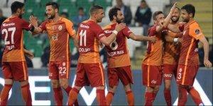 Galatasaray'da kadrodaki tüm futbolculara para cezası!