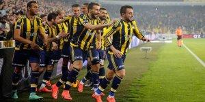 Derbinin galibi Fenerbahçe liderlik koltuğuna oturdu