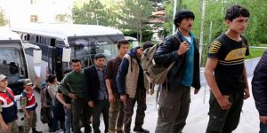 Yolcu otobüsünden 114 Afgan kaçak çıktı