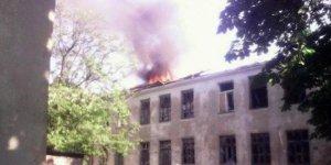 Ukrayna'da hastaneye ve okula top mermisi atıldı!