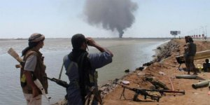 Suudi savaş gemisi vuruldu!