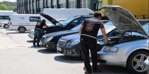 Ankara'da yabancı plakalı lüks araçlara el konuldu