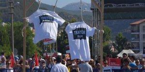 'hero' yazılı tişörte anlamlı protesto