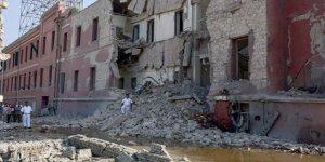 Mısır'da büyükelçilik önünde patlama