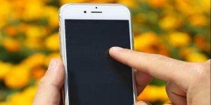 Akıllı telefona 5 dakikada bir bakıyor, reklam sevmiyoruz