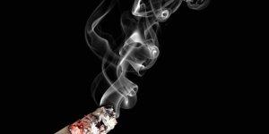 Rakamlar korkunç! Bir defa sigara içenlerin 'yüzde 69'u kullanıcı oluyor'