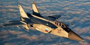 Rus savaş uçakları Suriye'de o grupları vurdu