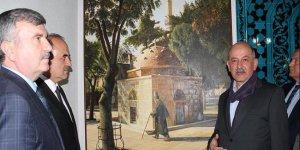 """""""Ressam imam""""ın sergisine büyük ilgi"""