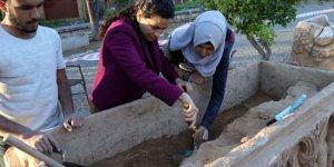 2 bin yıllık lahit müzeye teslim edildi