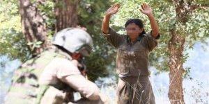 Üç kadın terörist teslim oldu