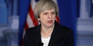İngiltere Başbakanı Theresa May'in konvoyuna saldırı