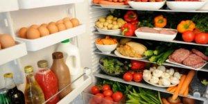 Buzdolabına sakın koymayın! Buzdolabına koymamamız gerek meyveler nelerdir ? Buzdolabı yiyecekleri bozuyormu ?