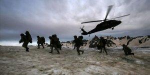 Mehmetçik İkiyaka Dağları'nı teröristlere dar ediyor