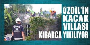 Bodrum Belediyesi Yılmaz Özdil'in kaçak villasının yıkımına VİNÇ getirmeyi unutmuş