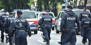 Avusturya'da PKK'lıların düzenlediği gösteriye Türkler tepki gösterdi