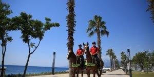 Güvenlik güçleri tatil bölgelerinde göz açtırmadı! Ünlü plajlar boş kaldı