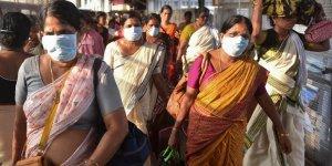 Hindistan'da Kovid-19 vakaları 1 milyona yaklaştı! Yasaklar geri geldi