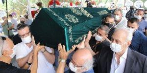 Huysuz Virjin karakteriyle bilinen oyuncu Seyfi Dursunoğlu son yolculuğuna uğurlandı