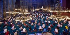 Ayasofya-i Kebir Cami-i Şerifi'nde 86 yıl sonra ilk bayram namazı
