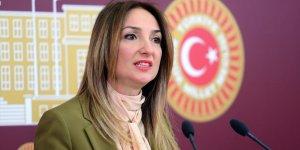 Aylin Nazlıaka CHP Kadın Kolları Genel Başkanlığı'na adaylığını koydu!
