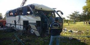 Eskişehir'de devrilen servis otobüsündeki 2 işçi öldü