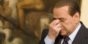 Corona virüse yakalanan Berlusconi hastaneye kaldırıldı