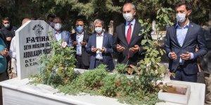 Adalet Bakanı Gül 3 yıl önce vefat eden milletvekili Yüksel'in kabrini ziyaret etti!